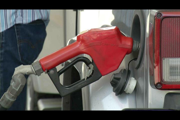 Choferes aseguran no es suficiente rebajas en precios de combustibles