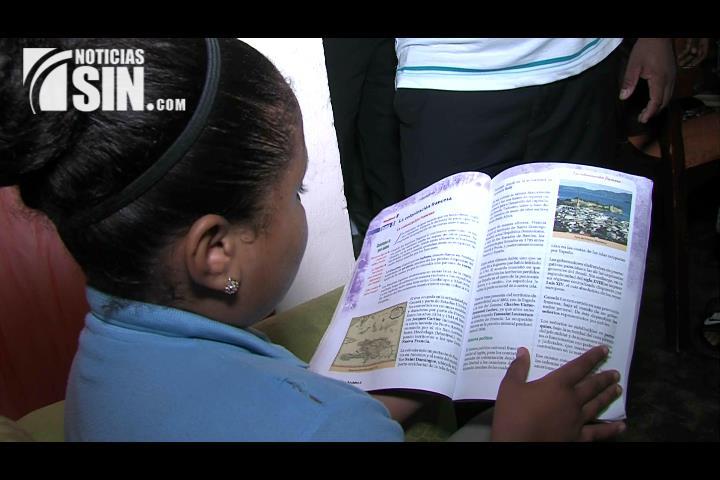 Educación decide sustituir controversial texto de historia