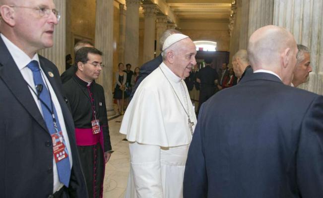 El papa llega al Capitolio, donde hablará ante el Congreso de Estados Unidos