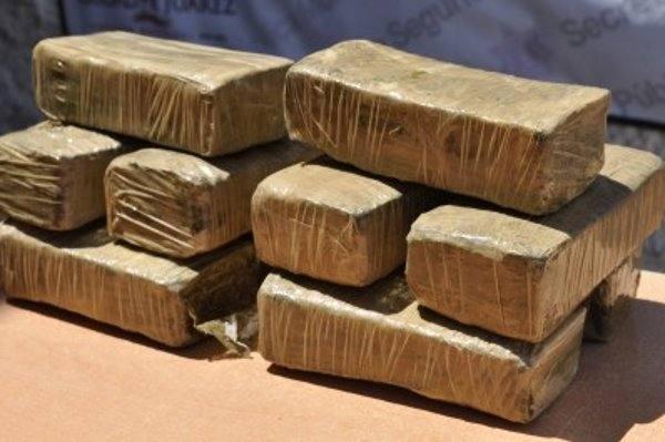 DNCD apresa hombres con paquetes de marihuana