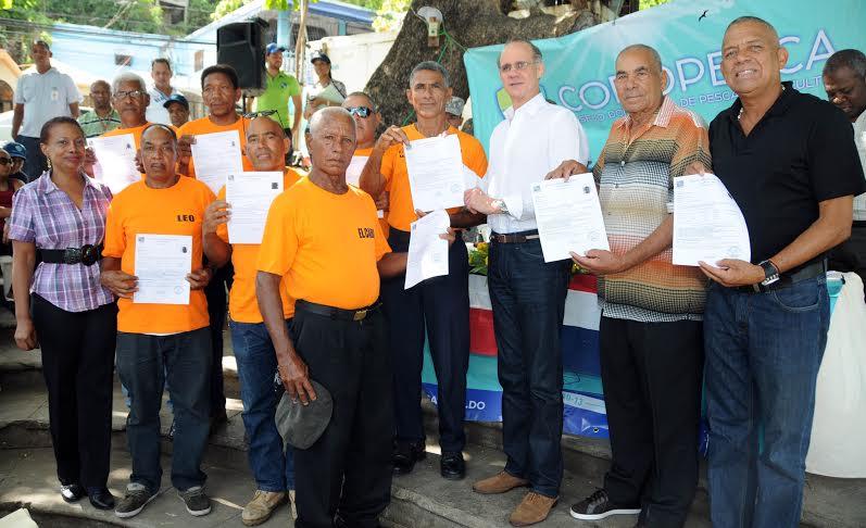 Pescadores del mar acceden al sistema nacional de salud