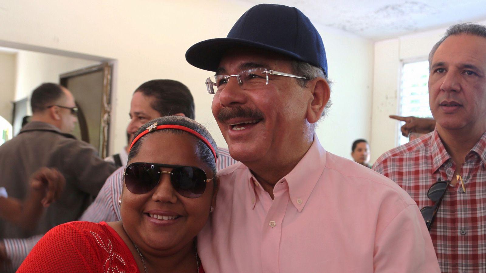 Presidente Medina realiza visita sorpresa en Azua