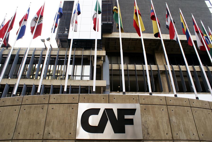 Humala se reúne con el presidente del CAF-Banco de Desarrollo de América Latina
