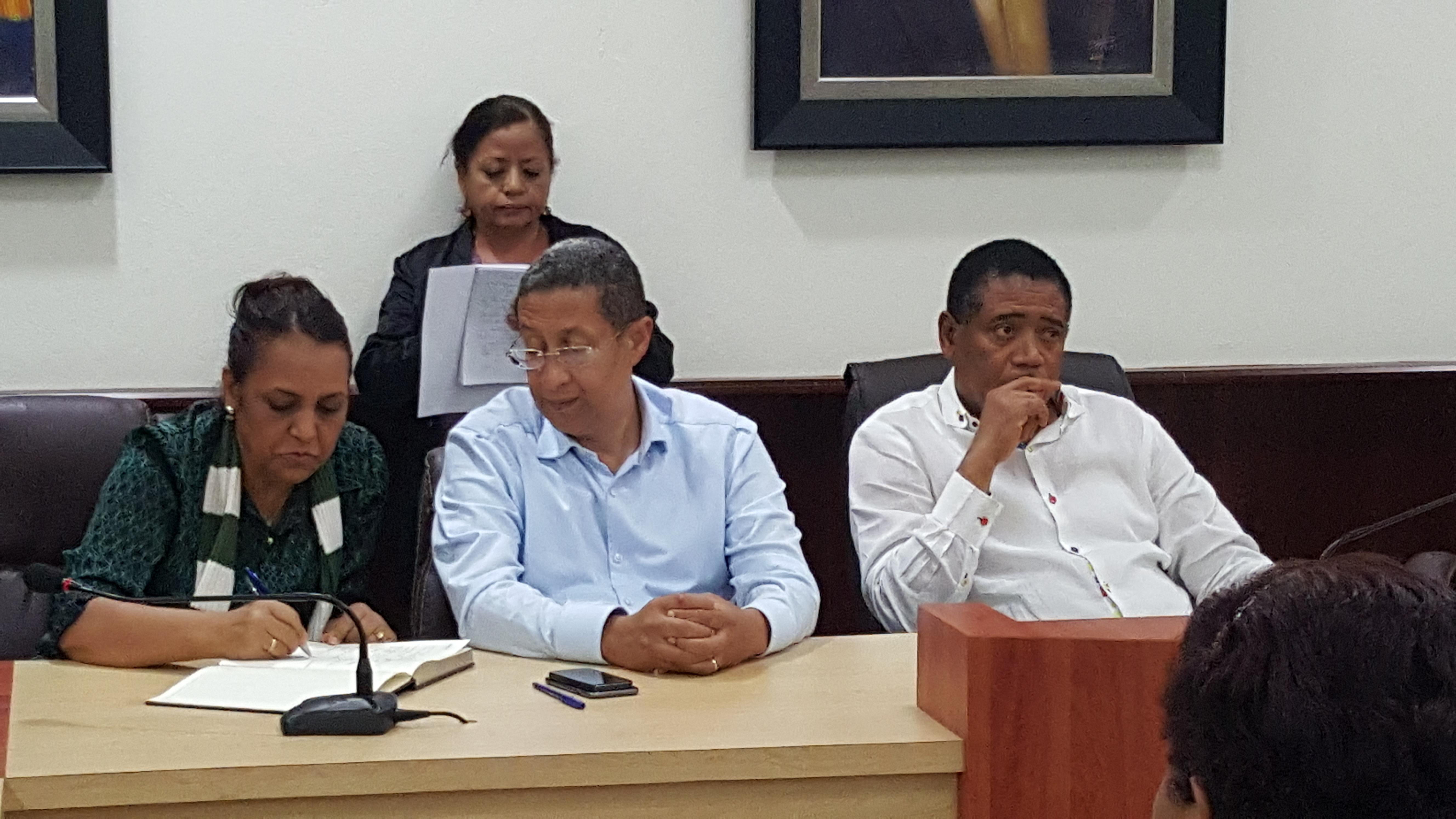 Autoridades anuncian jornada contra el dengue