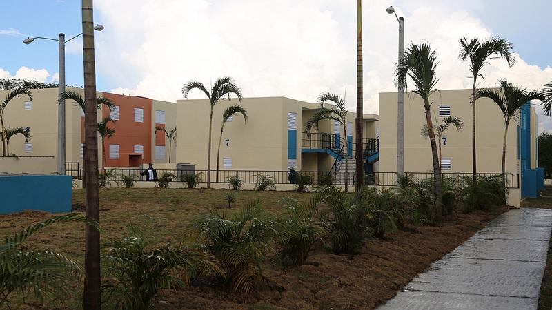 Danilo Medina inaugura proyectos de vivienda en SDO