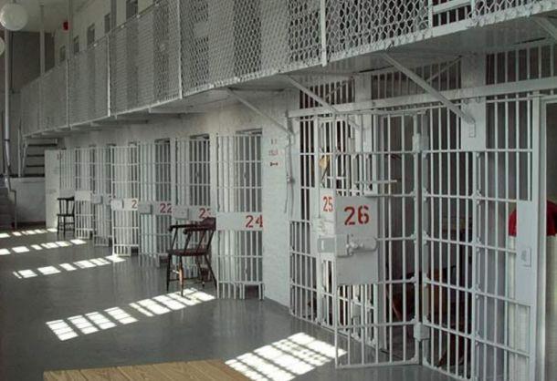 EEUU liberará 6 mil presos y entregará mil 700 a autoridades migratorias