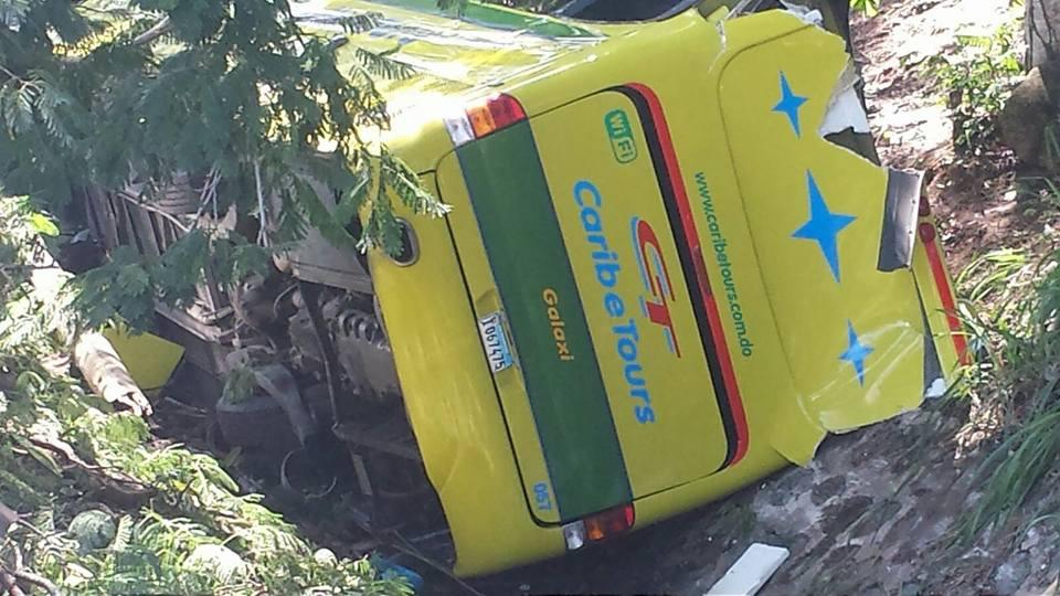 AMET asume investigación de accidente de autobús dejó al menos 35 heridos