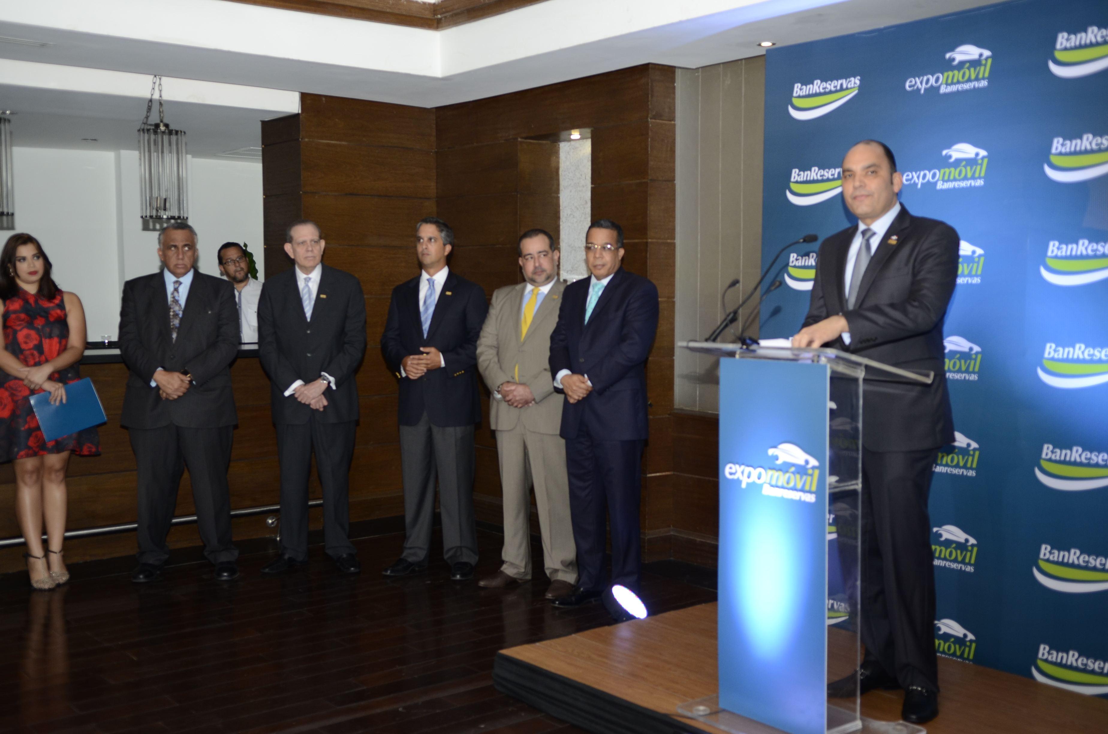 Banreservas inaugura Expomóvil, con tasas desde 7.74%