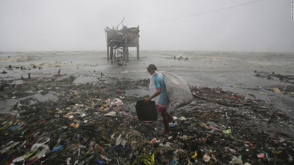 El tifón Koppu causa al menos 13 muertos y 280.000 afectados en Filipinas