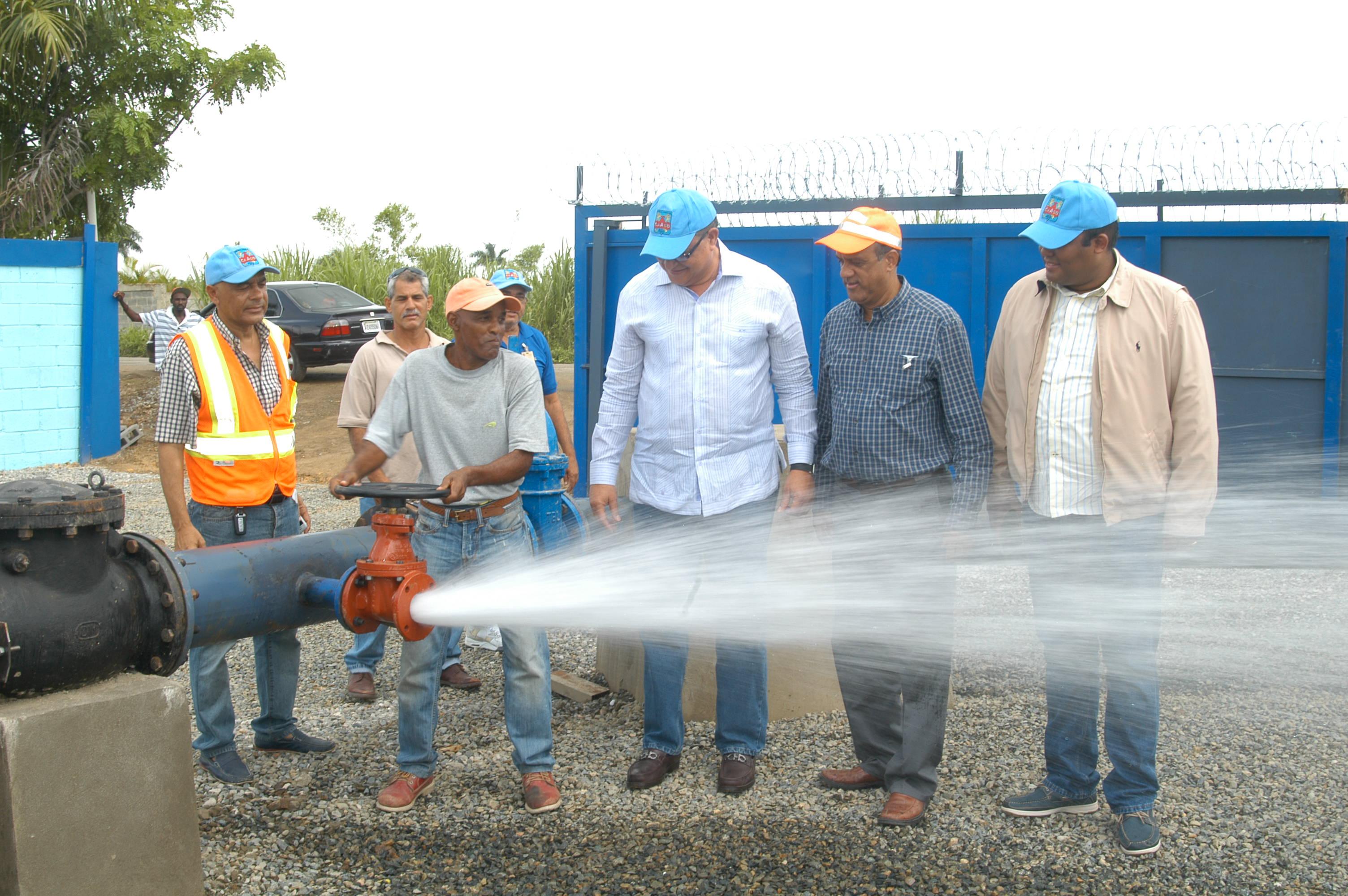 CAASD anuncia distribuyen 47 millones de galones de agua potable