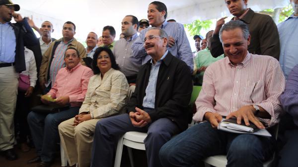 Danilo Medina realiza visita sorpresa a Mancebo de San Felipe de Villa Mella