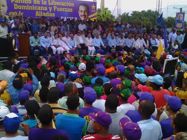 Danilo Medina y Miguel Vargas juntos en actos proselitistas