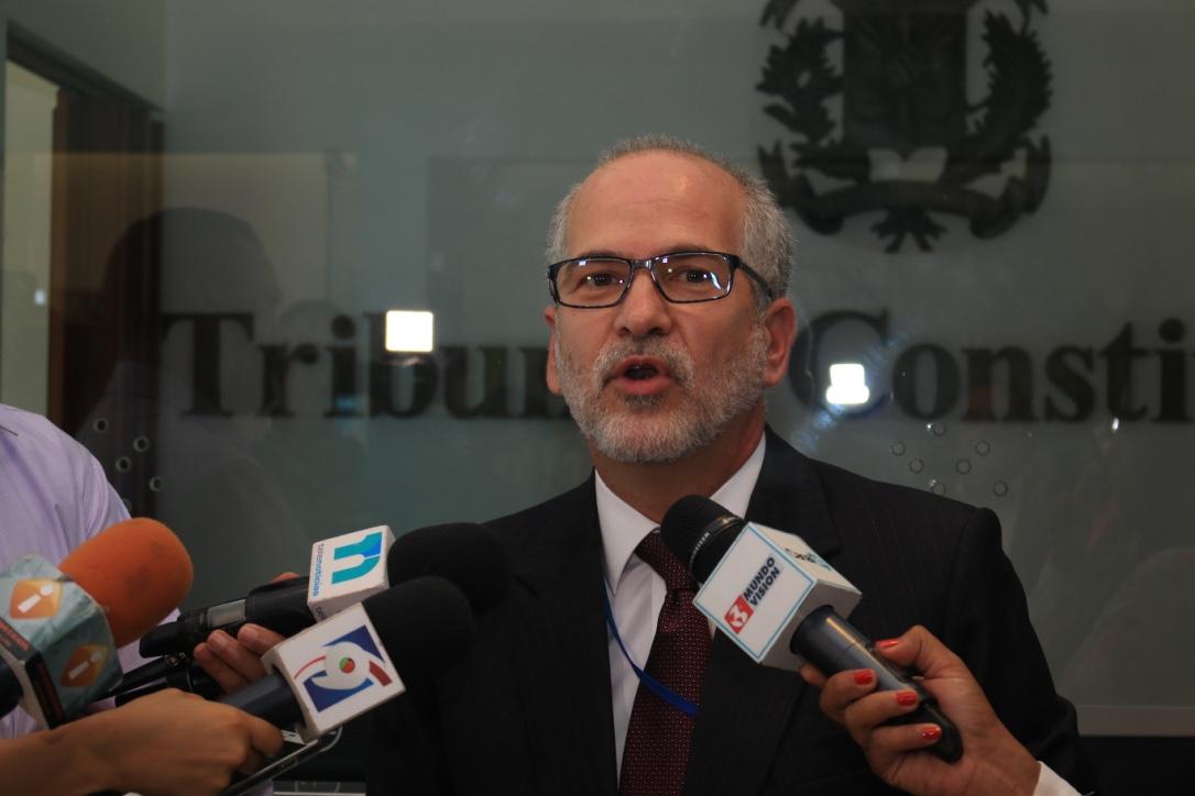 Piden declarar inconstitucional la Ley de Notariado 140-15