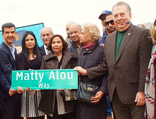 Eduardo Selman celebra designación de esquina con el nombre de Matty Rojas en Manhattan