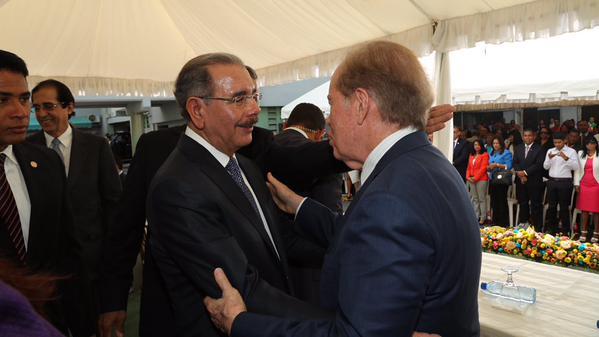 Danilo Medina asiste a inauguración de consultorios médicos Clínica Cruz Jiminián