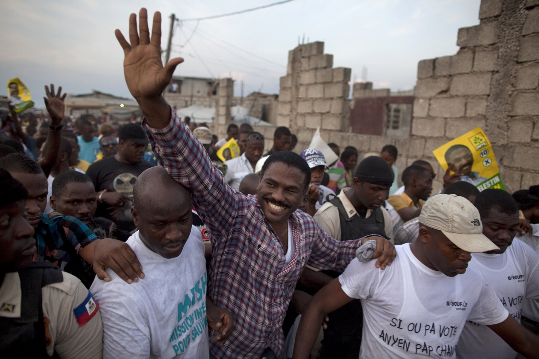 Tranquilidad y poco ambiente electoral en víspera de cierre campaña en Haití