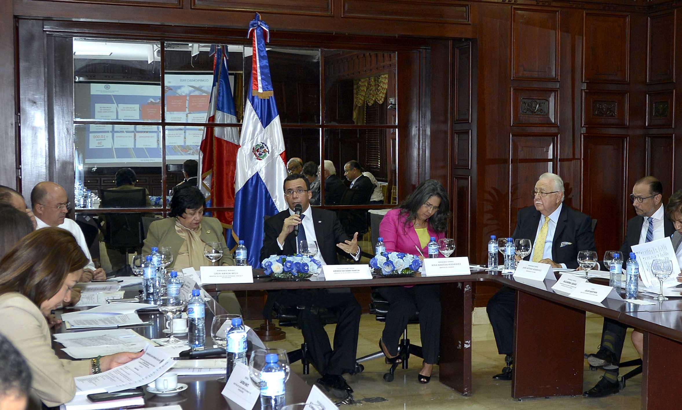 Canciller se reúne con ministros para coordinar actividades internacionales