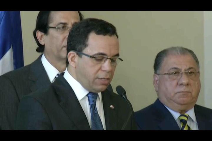Danilo Medina y Martelly  trataran veda en 15 días