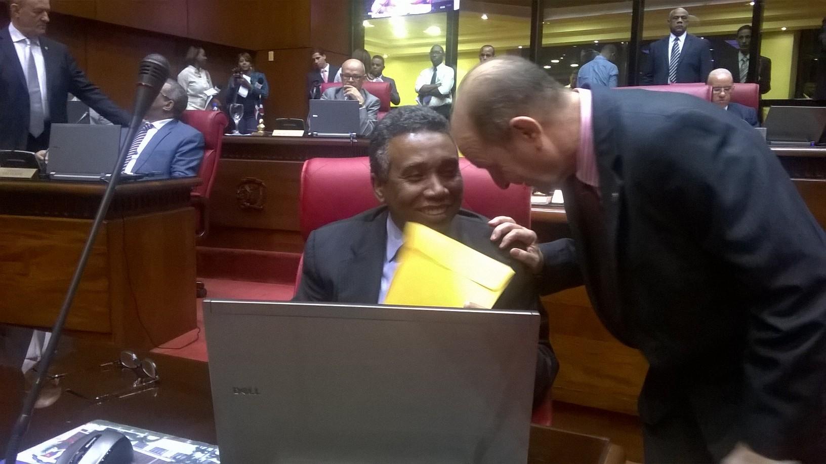 Bautista ocupa su curul tras ratificación de No Ha Lugar a su favor
