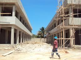 Ordenan paralizar trabajos de construcción de un liceo en SPM