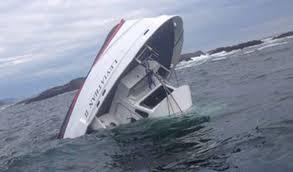Un barco con 27 personas se hunde en Canadá causando varias muertes