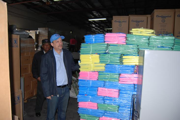Realizan jornada de entrega de mosquiteros a familias de escasos recursos