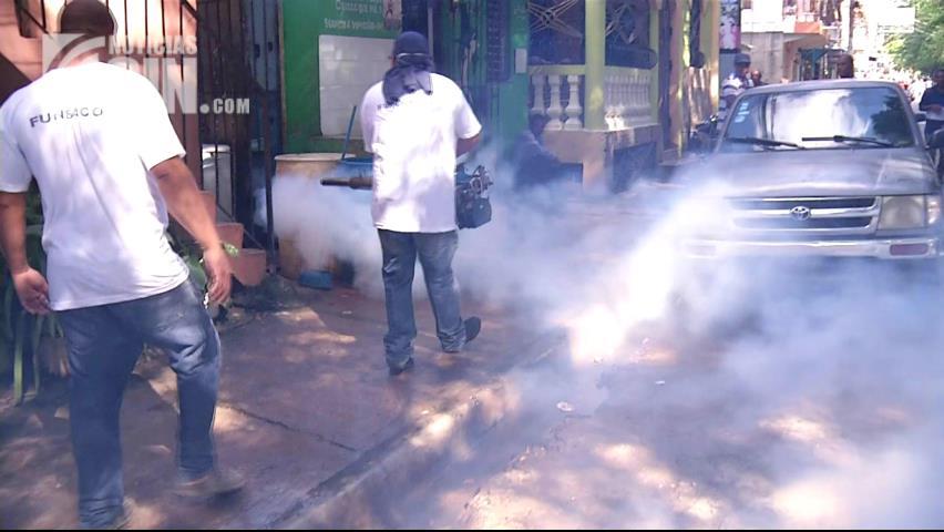 Cientos participan en jornada contra el dengue