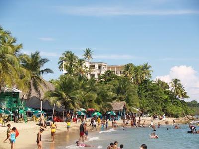 Vendedores en playa Palenque solicitan préstamo de RD$17 millones al Presidente