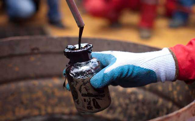 El petróleo de Texas sube un 3,1 % y cierra en 51,35 dólares