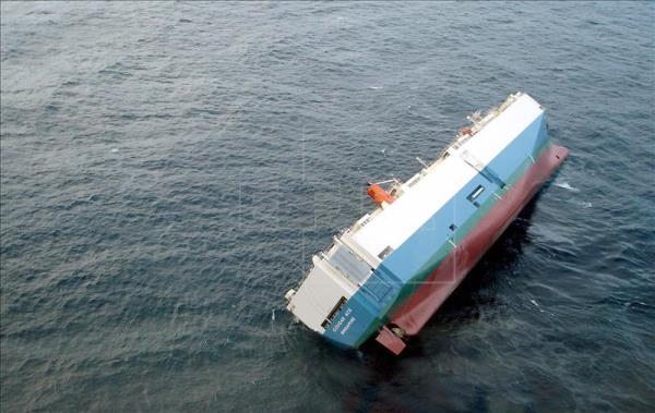 Cinco muertos y un desaparecido tras hundimiento de barco turístico en Canadá