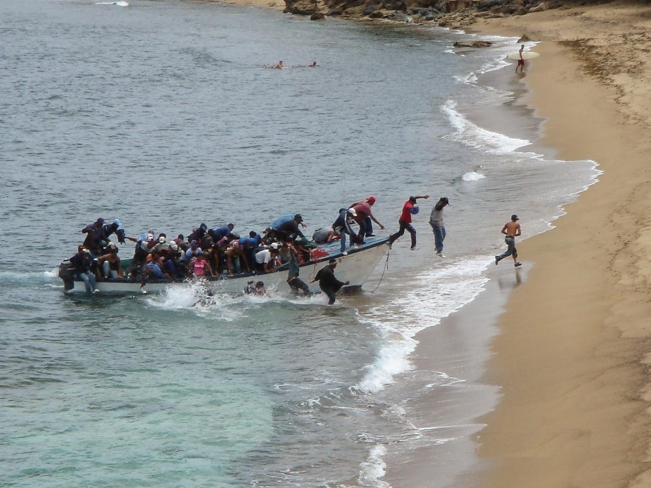 Interceptan embarcación con 30 dominicanos que trataban de llegar a Puerto Rico