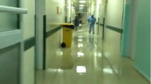 Lluvias inundan hospital y universidad en SFM
