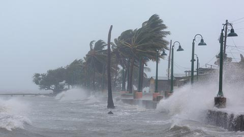 Irma abandona Puerto Rico y amenaza a la República Dominicana