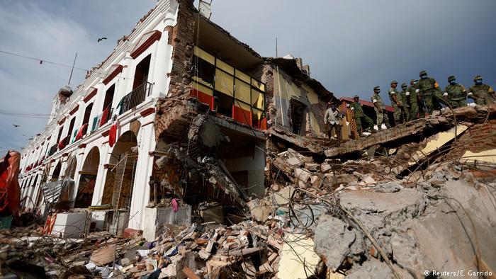 Asciende a 65 la cifra de muertos por el terremoto en México
