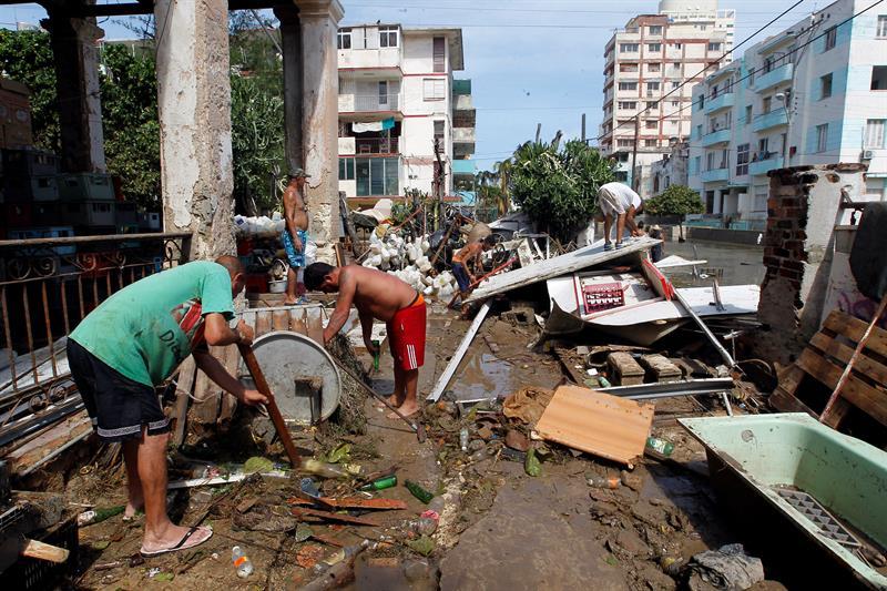 Irma segó diez vidas en Cuba y dejó estela de destrucción que costará superar