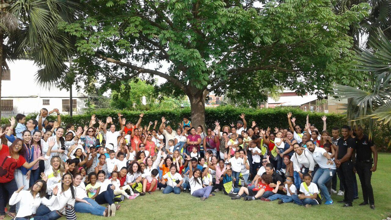 Niños del CAID-Santiago disfrutan tarde cultural y recreativa
