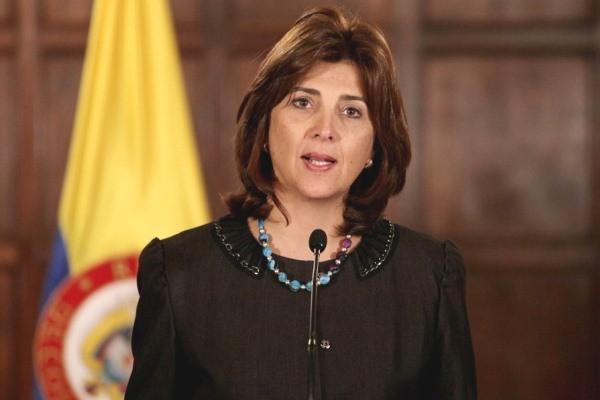 Colombia advierte contra acción militar y sanciones en Venezuela