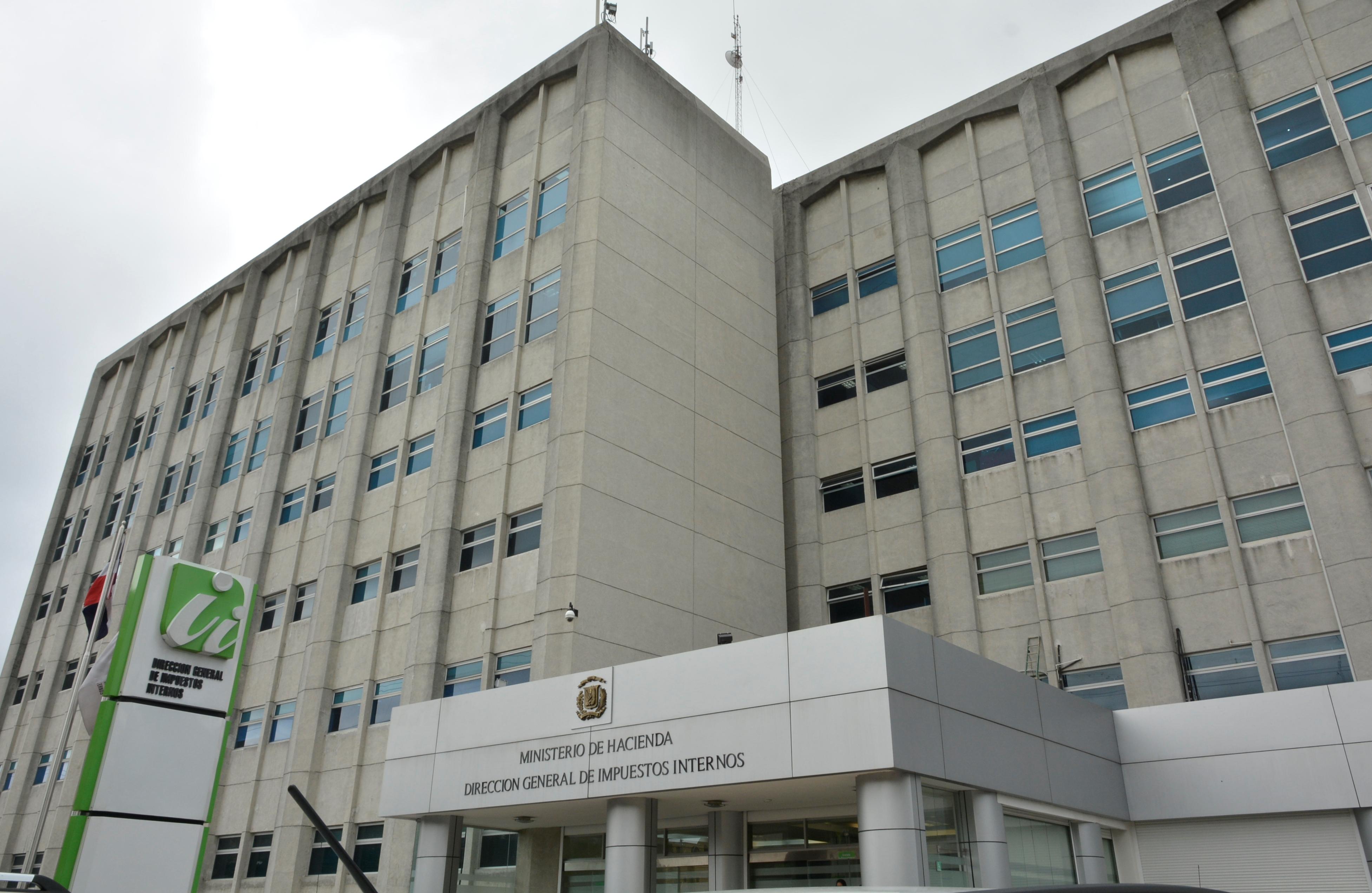 DGII anuncia inicio temporada renovación de marbetes 2017-2018