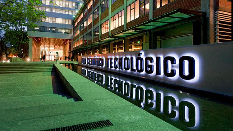 Científicos argentinos ocupan el Ministerio de Ciencia desde hace una semana
