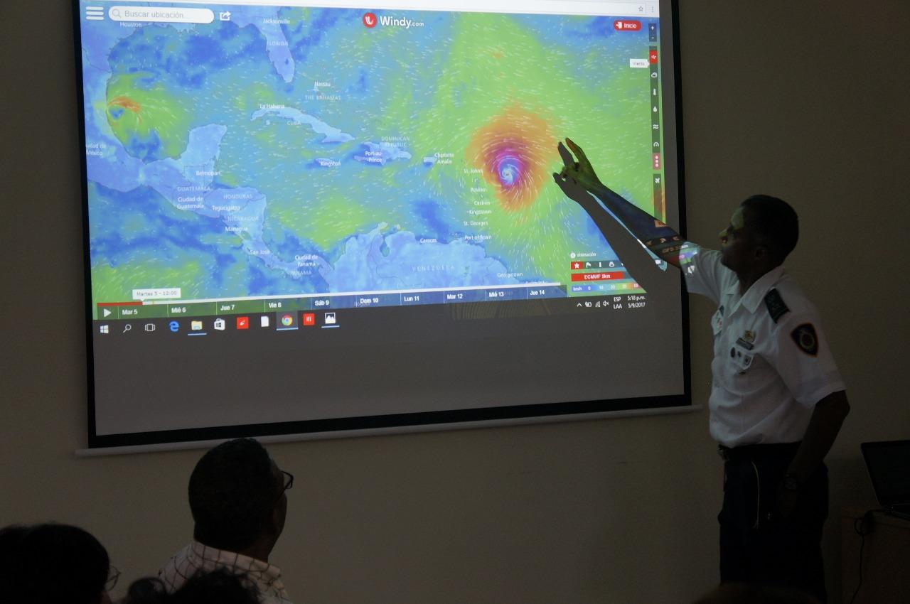 Alcaldía de Santo Domingo Este implementa acciones por posible paso de Irma por el país