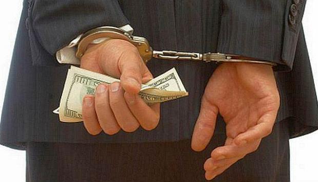 Condenan a peruano en EEUU a doce años de prisión por defraudar jubilados