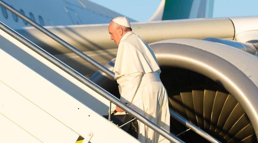 Huracán Irma obliga cambiar plan de vuelo del Papa Francisco a Colombia