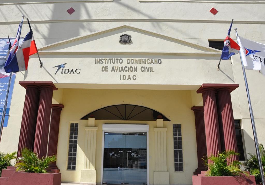 IDAC revela que turismo y aviación civil son soportes de economía en RD