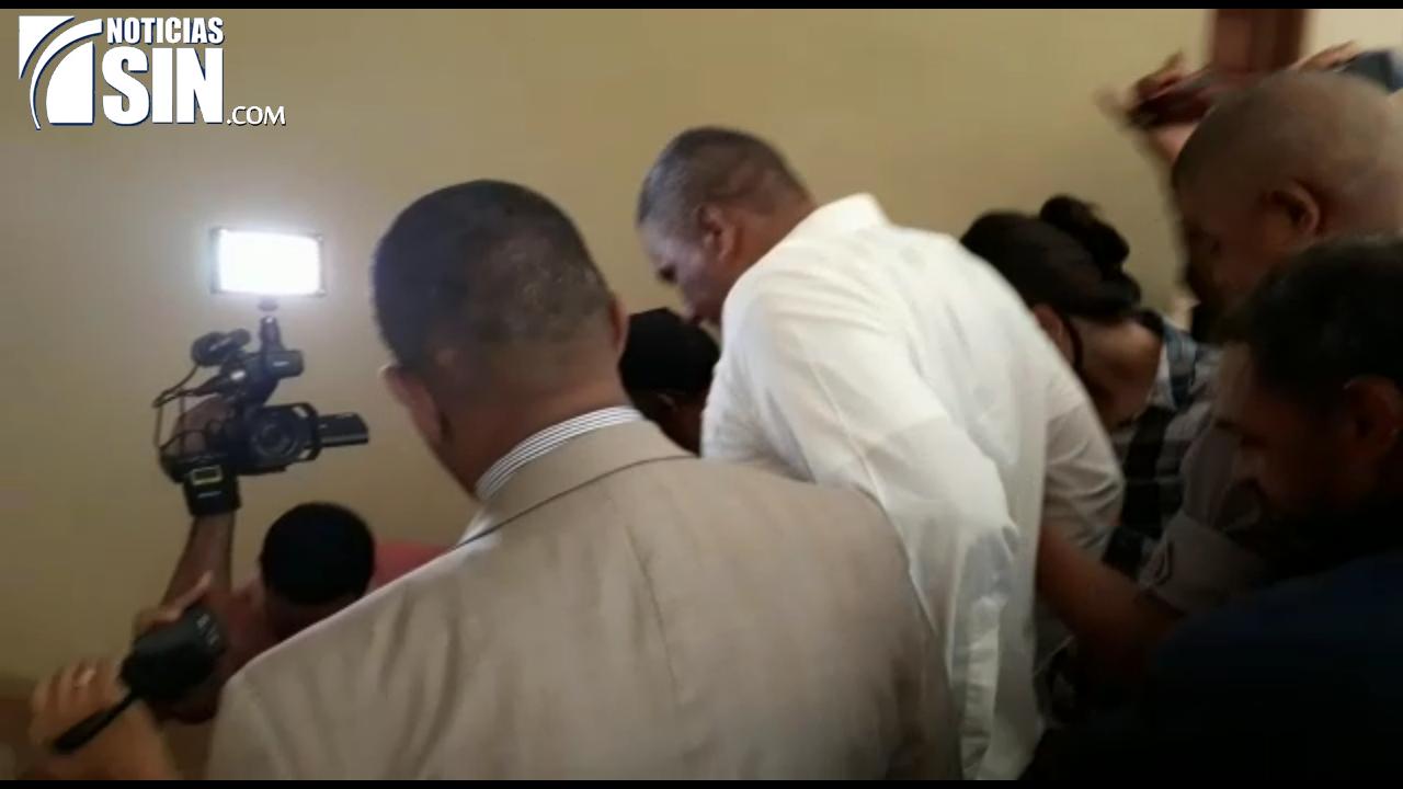 Dictan un año de prisión preventiva a funcionario acusado de violar hija de 13 años