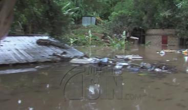Munícipes de Ramón Santana aún permanecen incomunicados por desborde de río Soco