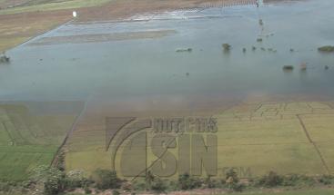 Continúa inundada la comunidad de Palo Verde y la carretera entre Montecristi-Dajabón