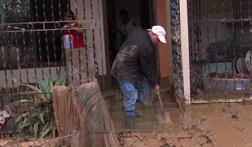 Río Yeguada inunda viviendas y comercios en Miches