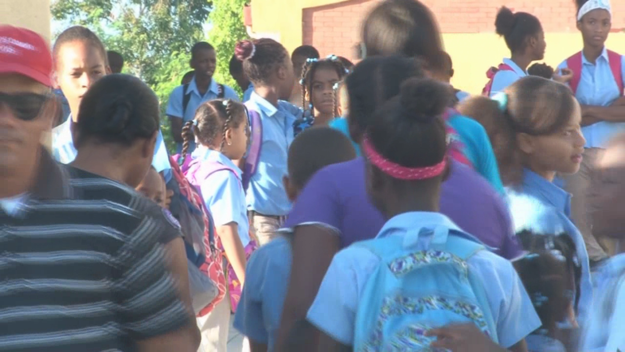 Al menos siete niños se intoxica con almuerzo escolar en Villa Hermosa
