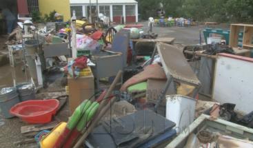 Residentes de la comunidad Gina en El Seibo piden ayuda al gobierno tras las inundaciones provocadas por río