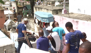 Sepultan restos de joven encontrada enterrada en Nigua